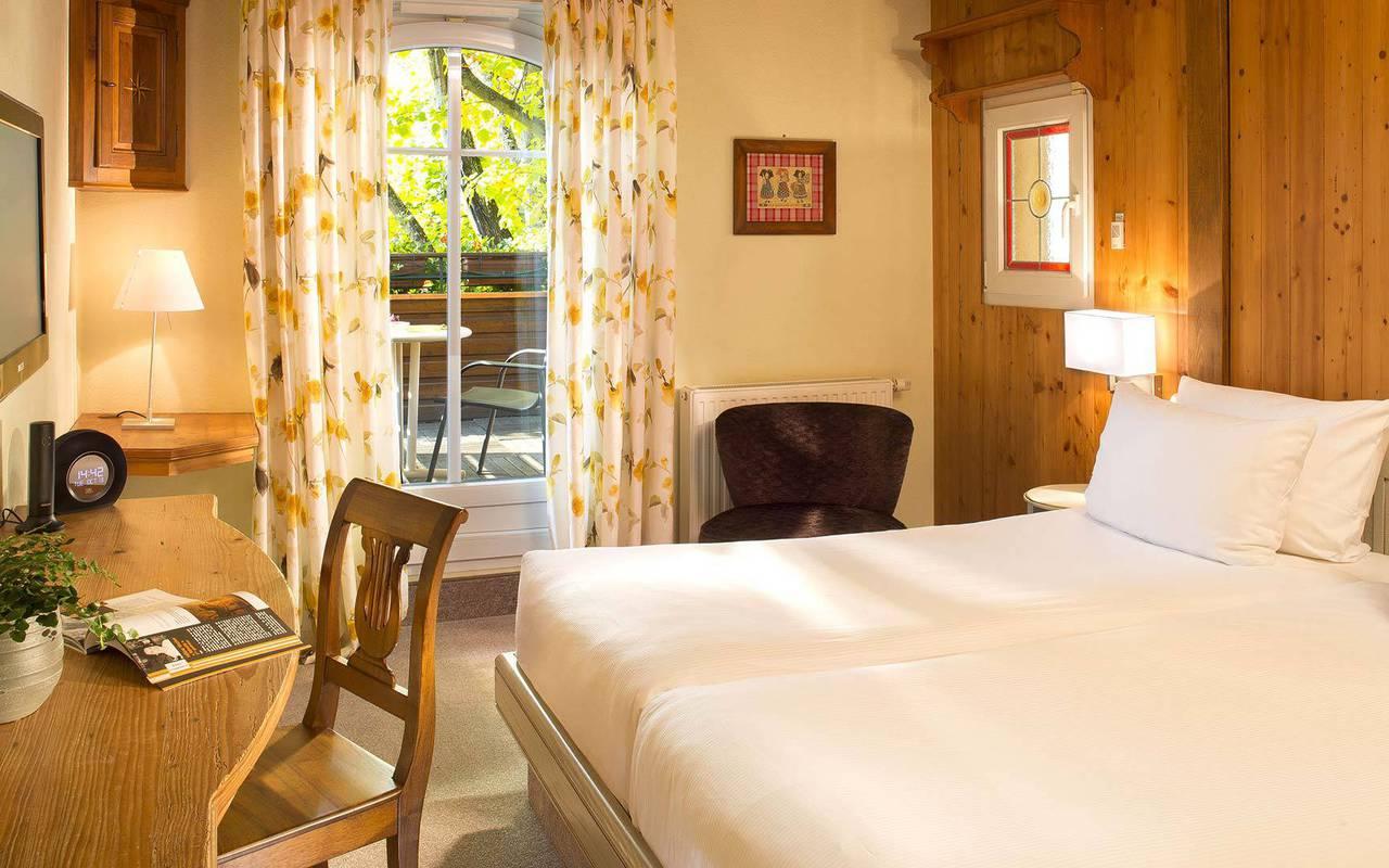 Spacious room Hotel Seminaire Strasbourg