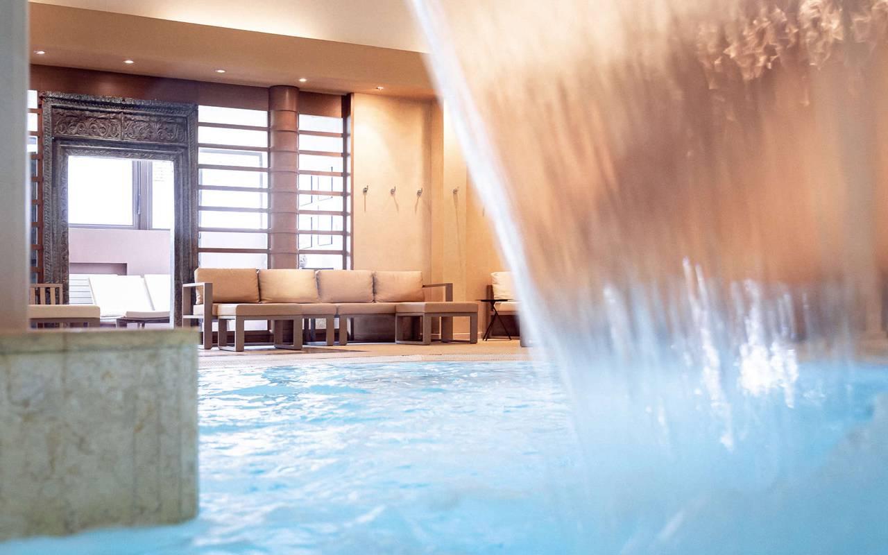 Piscine intérieure prestigieuse Hotel spa Alsace